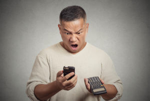 5 Tips to Avoid Outrageous Cell Phone Charges When You Travel